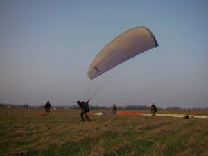 deine Gleitschirm- und Drachenflugschule bei Berlin